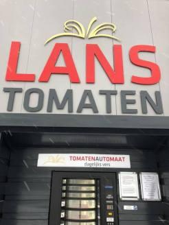 Bij Lanstomaten nog tomaatjes halen. — bij Lanstomaten.