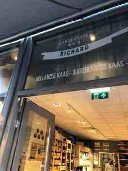Mijn voorraad kaas en noten weer aanvullen bij Kaasmeester Richard — bij Kaasmeester Richard.