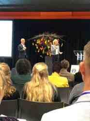Maurice Wubben praatte het Healthy Food Congress aan elkaar, Karin Zwinkels CDA vertelde waarom zij deze samenwerking met de Vereniging Arts en Leefstijl zo belangrijk vindt voor Gemeente Westland — bij Jaarbeurs.