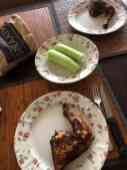 Vrijdag gemakdag: - gegrilde kippenpoot van Poelier Jos Straathof - komkommer van De Vitaminetuin — bij Fietsen voor m'n eten.