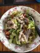 Overgebleven salade van donderdag, met makreel van Hoekse Vishandel — bij Fietsen voor m'n eten.