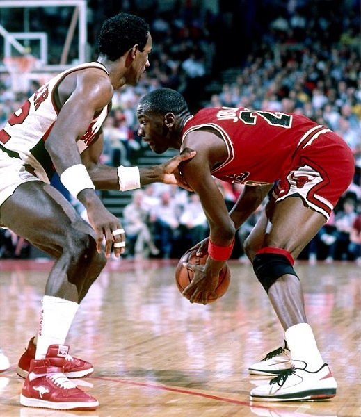 14f19dceab3e Clyde Drexler and Michael Jordan - two of the greatest to ever play the  game.