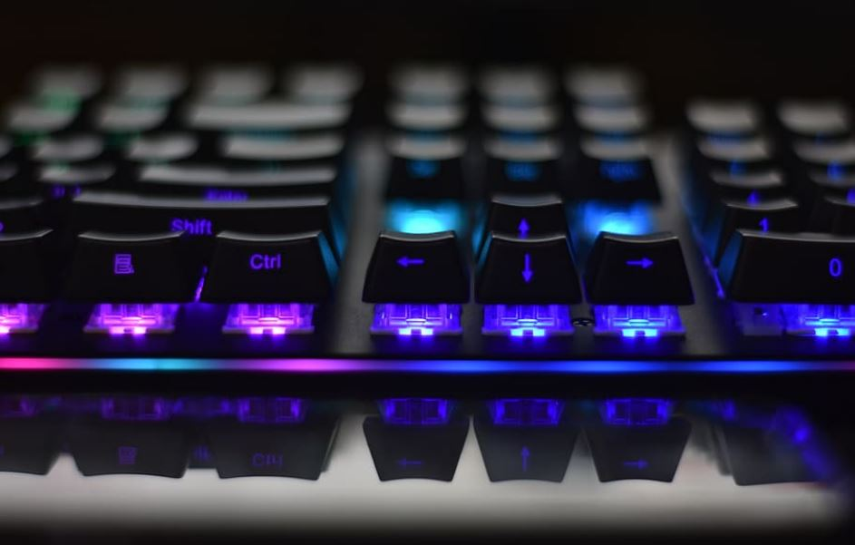 ergo keyboard with built in mouse