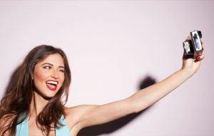 Selfie: Ναρκισσισμός ή προσωπική έκφραση;