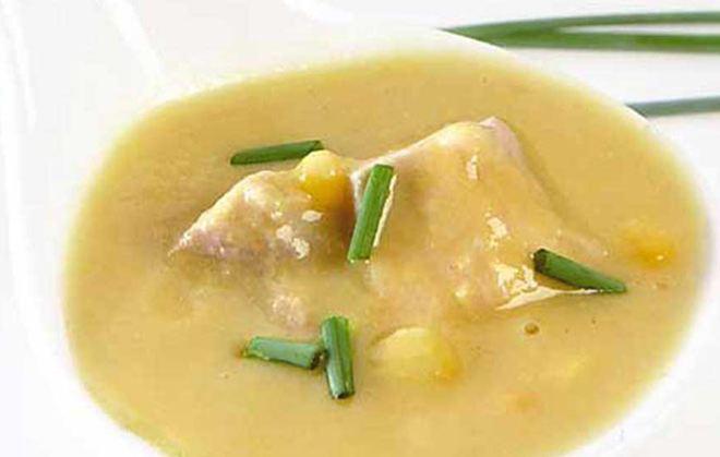 Κοτόσουπα με καλαμπόκι