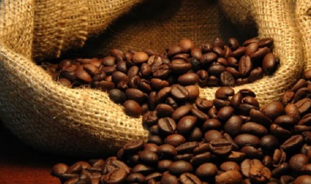 Read more about the article Καφές: Ποιο είδος είναι πιο υγιεινό, ποιο έχει περισσότερη καφεΐνη