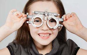 Παιδιά: Σε ποια ηλικία πρέπει να γίνει η πρώτη οφθαλμολογική εξέταση;
