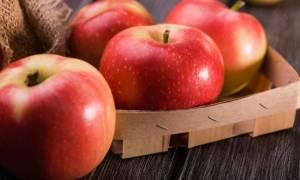Πόσο μειώνει τον κίνδυνο θανάτου ένα μήλο την ημέρα