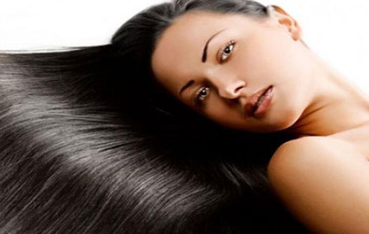 Read more about the article Αμυγδαλέλαιο: Το μυστικό για μεταξένια μαλλιά