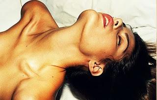 Τι συμβαίνει στο σώμα της γυναίκας όταν «ανάβει»