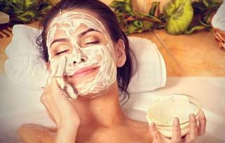 Τρεις θαυματουργές σπιτικές μάσκες για όλους τους τύπους δέρματος