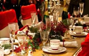 Ζώδια και τραπέζι εορτών! Κάποιοι θα σε ταΐσουν ντελίβερι και άλλοι θα φύγουν με… ταπεράκι