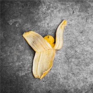Πόσο καλό κάνει η φλούδα μπανάνας και πώς να την φας!