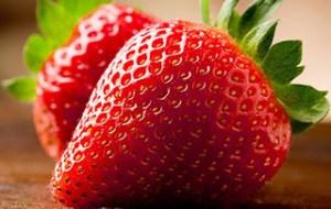 Κι όμως η φράουλα είναι το καλύτερο συστατικό για μάσκες προσώπου