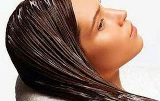 4 φυσικές μάσκες για ταλαιπωρημένα μαλλιά