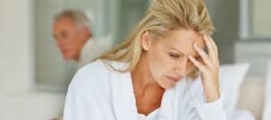 Σχεδόν οι μισές γυναίκες με εμμηνόπαυση αντιμετωπίζουν προβλήματα με το σεξ