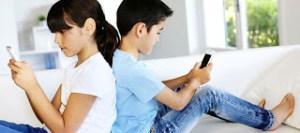 Επηρεάζουν ή όχι τα κινητά τα παιδιά;