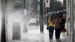 Επιδείνωση του καιρού με ισχυρές βροχές, καταιγίδες και χιονοπτώσεις στα ορεινά