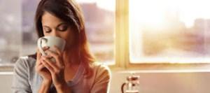 Read more about the article Γιατί δεν πρέπει να πίνετε καφέ με άδειο στομάχι