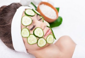 Read more about the article Αγγούρι. Ιδιότητες και χρήσεις βάλσαμο για το δέρμα