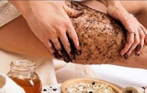 Mυρωδάτο scrub από βανίλια και καφέ για την κυτταρίτιδα