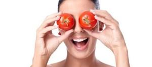 Read more about the article Μάσκα προσώπου με ντομάτα για να μοιάζεις 5 χρόνια νεότερη!