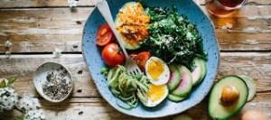 Το «ντέρμπι» για την καλύτερη δίαιτα ανάμεσα σε λιπαρά και υδατάνθρακες