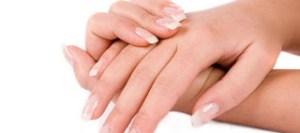 Για ποιους λόγους κιτρινίζουν τα νύχια μας;