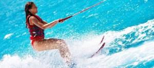 Read more about the article Ποιους κινδύνους κρύβουν τα θαλάσσια σπορ για την υγεία μας