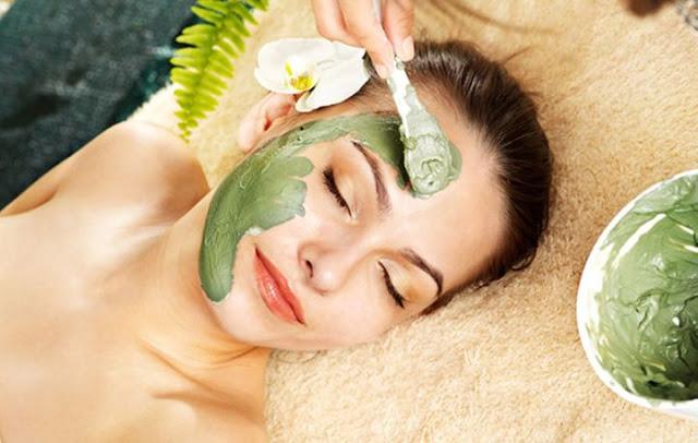Read more about the article Μάσκες ομορφιάς με άργιλο για λεία επιδερμίδα
