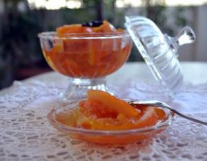 Γλυκό κουταλιού πορτοκάλι σε φέτες