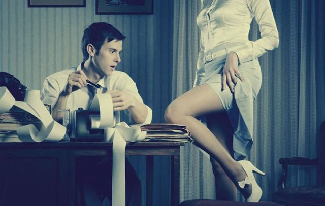 Read more about the article 5 + 1 μυστικά για να «απογειώσεις» τον σύντροφο σου στο κρεβάτι