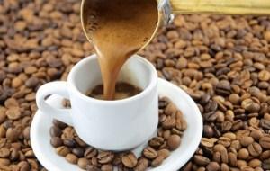 Ο ελληνικός καφές καθαρίζει μέχρι και…σιφώνια!