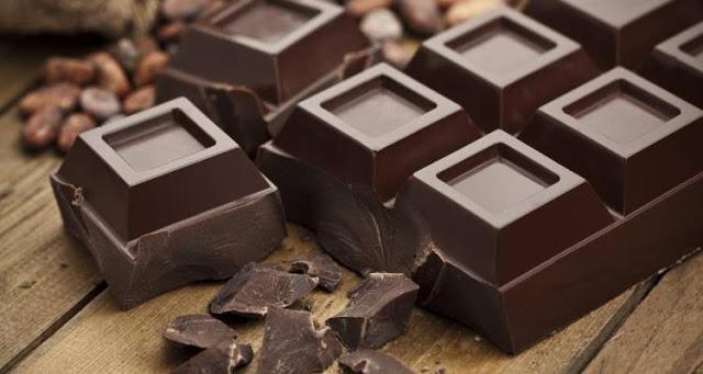 Πώς η μαύρη σοκολάτα μπορεί να ενισχύσει την υγεία του εγκεφάλου και το ανοσοποιητικό σύστημα
