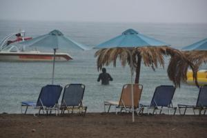 Καιρός: «Ανάσα» μετά τα… 40αρια! Βροχές και καταιγίδες κατά τόπους
