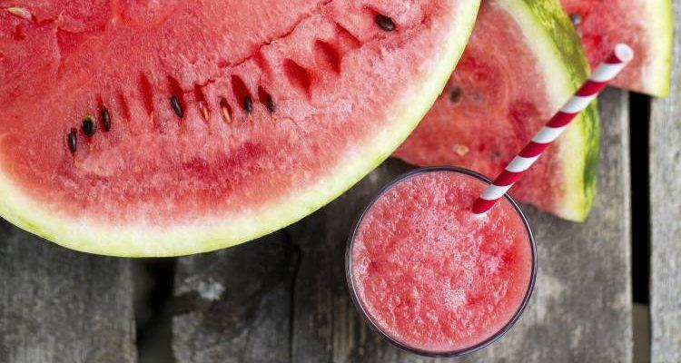 Read more about the article Καρπούζι: 7 οφέλη που μας προσφέρει το πιο δροσιστικό φρούτο του καλοκαιριού