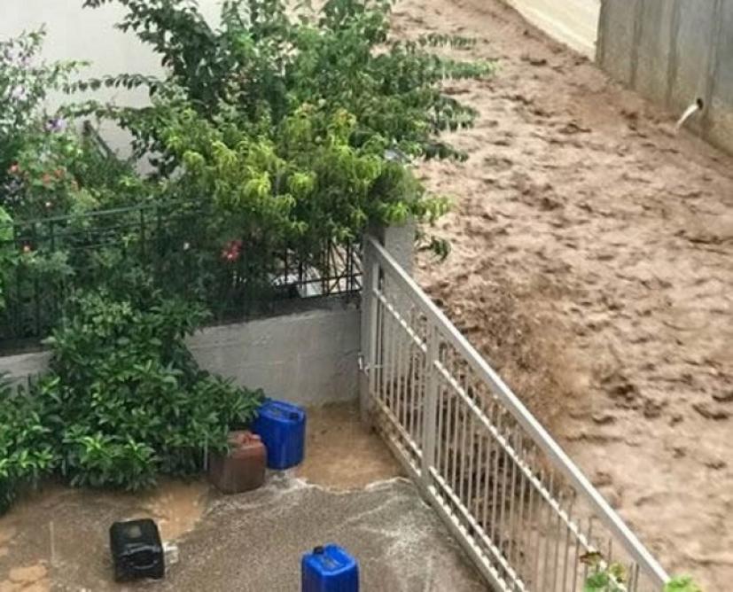 Read more about the article Πλημμύρες και αποκλεισμένοι κάτοικοι στη Φθιώτιδα
