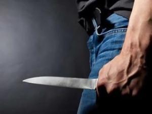 Μαχαίρωσε τον κουμπάρο του που έλεγε ότι η σύζυγός του… είχε πάει με πολλούς άντρες