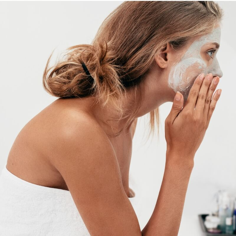 Read more about the article Έχετε λιπαρό δέρμα; Φτιάξτε μόνοι σας μια μάσκα προσώπου με κορν φλάουρ!
