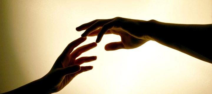 Read more about the article 5 Πράγματα που δεν ήξερες για τη δύναμη του αγγίγματος!