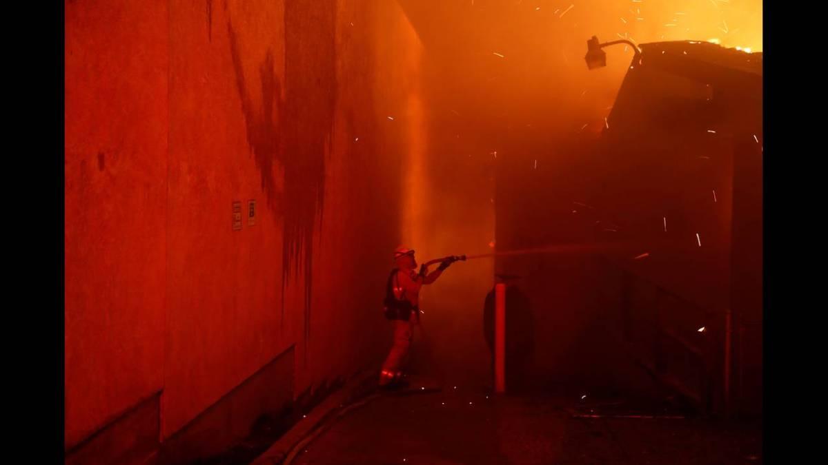 Σαρωτική πυρκαγιά στη βόρεια Καλιφόρνια-Φόβοι για νεκρούς