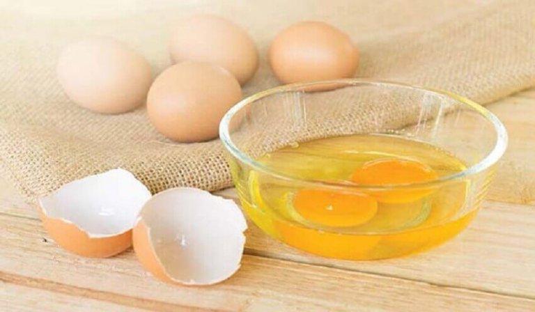 Αβγά, σπανάκι και χυμός πορτοκάλι