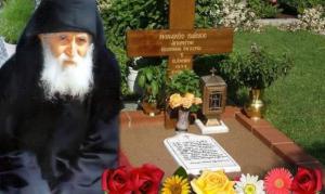 Συγκλονιστικό θαύμα στον τάφο του Γέροντα Παϊσιου…