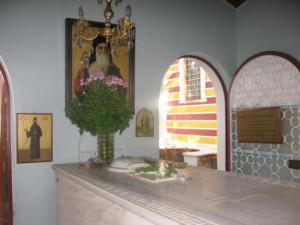 Οι χτύποι στον τάφο του Αγίου Νεκταρίου