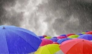 Καιρός Ανεβαίνει η θερμοκρασία την Τρίτη, συνεχίζονται οι βροχές