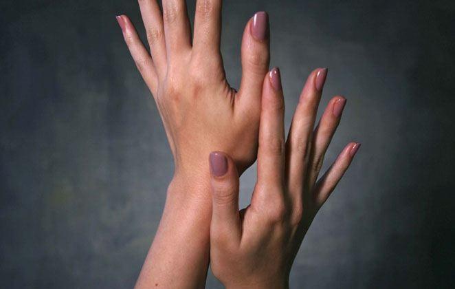 Φυσική ενυδατική κρέμα με λάδι καμέλιας για τα χέρια σας!