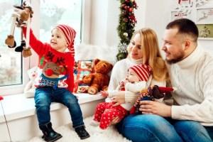 5 Tips για να περάσετε υπέροχα φέτος τα Χριστούγεννα με τα παιδιά σας
