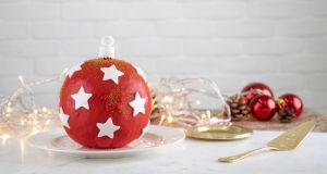 Τούρτα χριστουγεννιάτικη μπάλα