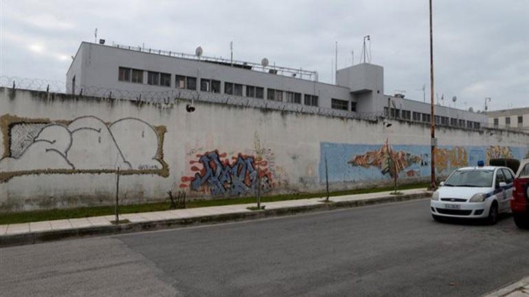 Σοβαρό επεισόδιο στις φυλακές Κασσάνδρας: Κρατούμενος τραυμάτισε με ξυράφι δύο δεσμοφύλακες