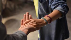 7 σημάδια που δείχνουν την απόλυτη δέσμευσή του σε μία σχέση